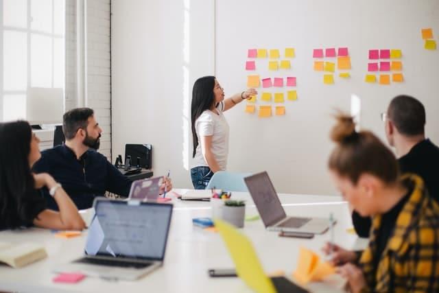 Marketing mix : définition, les 4p et importance de la stratégie